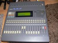 Eladó egy hibátlan állapotú Yamaha ProMix 01 16 csatornás keverő.
