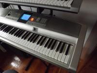Yamaha DGX305 szintetizátor új puhatokkal